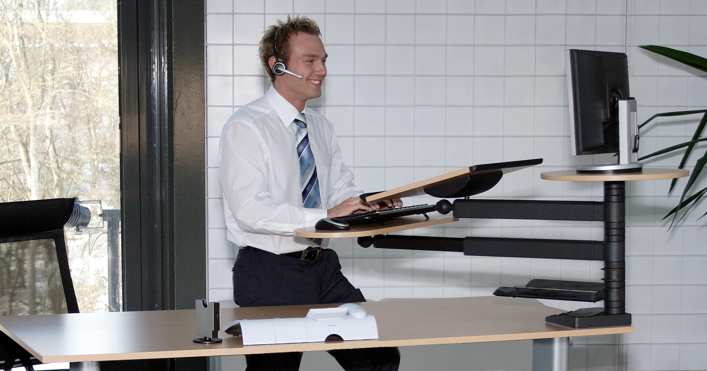Testen Sie kostenlos Stehpulte Stehtische Stehhilfen - Stehpult Modell desk top mit Monitorplatte