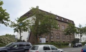 Firmensitz von Büro-Goertz in Darmstadt mit ca 400 qm Ausstellung Büromöbel Bürostühle spezialisiert swopper Ergonomie-Produkte Stehpult, Stehhilfen, Stehtische
