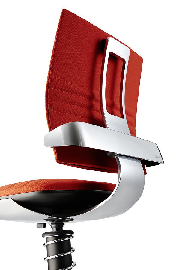 01_3Dee_detail Rückseite poliertes Gestell - 3Dee die geniale Kombination aus swopper und Bürostuhl